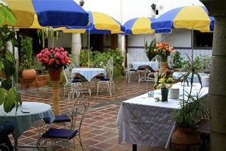 Ecuador-El Meson-Courtyard
