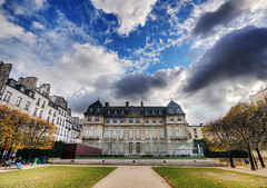 Dramatic Sky Over Hotel Sal HDR (David Giral | davidgiralphoto.com) Tags: paris france museum hotel sale district muse picasso marais hdr quartier htel 3xp sal tthdr