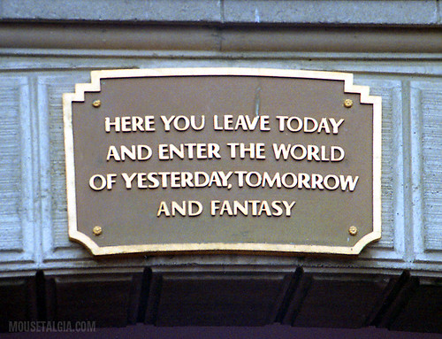 Disneyland Entrance Sign 2017