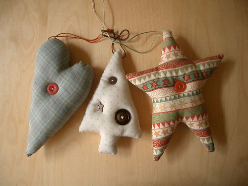 Christmas Ornaments por PatchworkPottery.