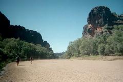 a long hike (tiggerlover93277) Tags: student sand australia hike teacher fieldtrip gorge westernaustralia ucdavis summerabroad windjana thekimberley sandandsky
