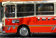 Bus with White Sidewalls (StevenMiller) Tags: thanksgiving red white bus argentina buenosaires nikon d200 sidewalls mistirk