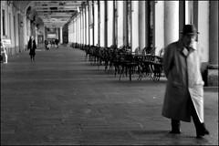 Torino 0076 (malko59) Tags: street people urban blackandwhite italy torino italia turin biancoenero italians bwemotions italybw diecicento artlegacy malko59 marcopetrino