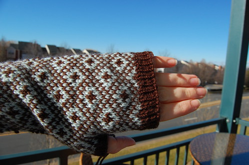 endpaper mitts side view