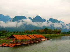 Vang Vieng - Laos (Globalviewfinder) Tags: cloud mountains seasia southeastasia laos vangvieng indochina