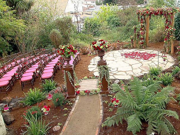 outside wedding_hgtv