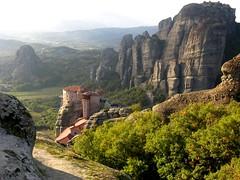 le meteore, tra il Pindo e l'Hassia (g.fulvia) Tags: mountains greece grecia pindo meteore