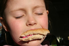 raar kind (Missonice) Tags: nico zon brood