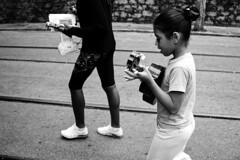 caminhando e cantando (mantelli) Tags: brasil riodejaneiro rj santateresa mantelli meninada caminhodaspaineiras músicaealegria