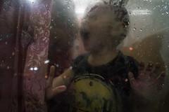 * (Sakulchai Sikitikul) Tags: street snap streetphotography songkhla sony voigtlander 28mm a7s thailand hatyai window mirror kid