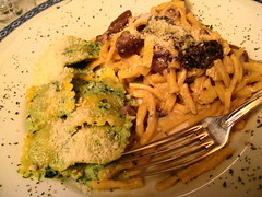 Dinner / Umbria , Italy / Pasta () Tags: friends party vacation italy holiday macro dinner restaurant italia restaurante fork pasta soire 31 ristorante rtw assisi umbria vacanze foodie roundtheworld  globetrotter  bwyty   worldtraveler table31