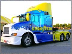 Caminho (Mauricio Portelinha) Tags: truck camion goodyear paranagua caminho lkw lastbil kamion lastebil worldtruck