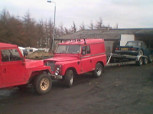 How to keep a Land Rover with a dodgy handbrake at bay whilst you load heavy stuff onto it :-)