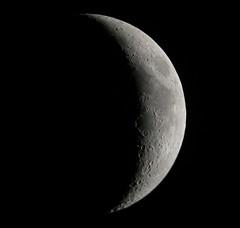 Lune (ComputerHotline) Tags: sky moon france mountains lune space satellite crescent craters ciel crater astrophotography croissant quarter astronomy universe objet digiscoping espace solarsystem fra belfort objets montagnes quartier astronomie univers cratère franchecomte afocal astrophotographie cratères astre digiscopie systèmesolaire astres célestes Astrometrydotnet:status=failed Astrometrydotnet:id=alpha20090650490696