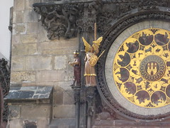 """Praga - Orologio astronomico (piazza Vecchia) • <a style=""""font-size:0.8em;"""" href=""""http://www.flickr.com/photos/62319355@N00/2483438757/"""" target=""""_blank"""">View on Flickr</a>"""