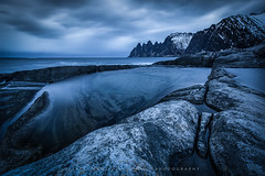 ● senja ● norway ● (Oliver Jerneizig) Tags: oliverjerneizig oliverjerneizigde wwwoliverjerneizigde norwegen norway norge lofoten north wilderness landschaft landscape outdoor canon 6d canon6d senja islans cliff cliffs mountains steinfjord ersfjord blauestunde bluehour