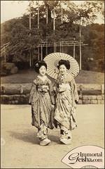 Two Young Maiko Strolling (Naomi no Kimono Asobi) Tags: japan vintage japanese photo kyoto antique postcard maiko geiko photograph geisha kimono obi gion hiroko showa taisho  vintagephotograph kanzashi  rppc