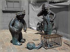 1106 Ns 110303 (thethi (don't like beta groups)) Tags: sculpture art bronze cutout belgium belgique photoshopped cage prison tradition escargot namur corde wallonie lenteur setnamurcity rubyinv djosephetfranchwes setjuin albumjuin faves8 namurcity