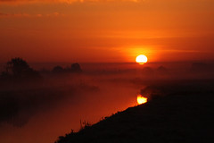 Sun A Rise in The Morning (torimages) Tags: morning red water sunrise dawn glastonbury somerset rhine levels allrightsreserved butleigh rhyne butleighmoor donotusewithoutwrittenconsent copyrighttorimages