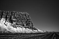Lómagnúpur (oskarragnarsson) Tags: sky bw mountain nature landscape iceland 07 ísland 2007 óskar betterthangood
