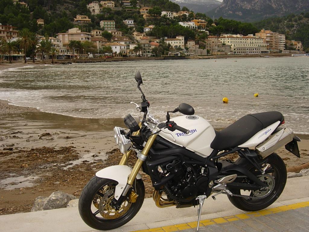 Mi moto en Pto. de Soller