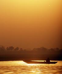 BARQUE SUR LE GANJE - VARANASI - INDE (odradek78) Tags: le varanasi sur barque inde ganje