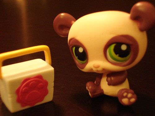 Littlest Pet Shop #353 by ,,,^..^,,,.