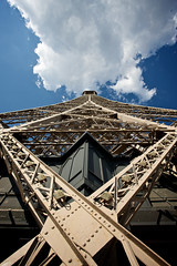 Perspective (h.andras_xms) Tags: city sky cloud paris canon big europe perspective eiffel 1ds monumental markiii 17mm handras wwwhandrashu wwwxmshu httpxmshu