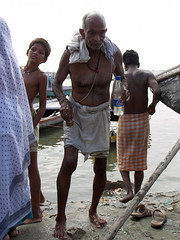 Bather 1.2 Varanasi (amiableguyforyou) Tags: india men up river underwear varanasi bathing dhoti oldmen ganges banaras benaras suriya uttar