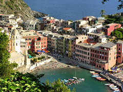 The truest fishing village Vernazza (Bn) Tags: travel vacation holiday color topf25 topf50 italia vivid unesco cinqueterre vernazza topf100 fishingvillage habor traveliing blueribbonwinner viadellamore supershot 100faves 50faves 25faves abigfave anawesomeshot superaplus aplusphoto holidaysvacanzeurlaub travelerphotos wowiekazowie diamondclassphotographer ishflickr ishkolorkraft excapture