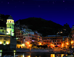 Vernazza by night (B℮n) Tags: travel vacation holiday topf25 dinner italia nightshot liguria creative vivid cinqueterre bec dreamlike vernazza topf100 breathtaking dreamscape supershot 100faves underthestars 35faves 25faves travelerphotos wowiekazowie megashot ishflickr excellentphotographerawards excapture