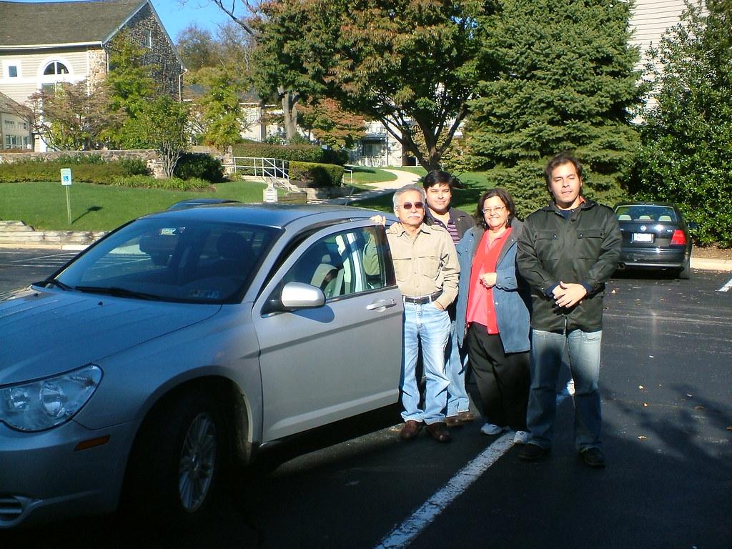familia de montubios que ve por primera vez un auto (click para ver más grande)