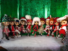 mERRY CHRISTMAS aND hAPPY hOLIDAYS from the Blythe Rockettes!!! (The Dolly Mama) Tags: family dance dolls dancers blythe merrychristmas therockettes allmyblythes