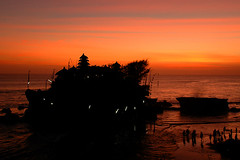 Tanah Lot, Bali @ sunset picture (Tempo Dulu) Tags: sunset bali beautiful indonesia gallery tanahlot tanah beautifulbali exceptionallybeautifulbaligallery