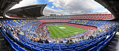 Camp Nou (pasaro) Tags: barcelona autostitch panorama azul canon football cool soccer powershot campo pblico blau campnou bara noucamp ftbol panormica gespa asiento csped grada blaugrana aspersor graderia estadi a710is cul seient gradero seientlliure