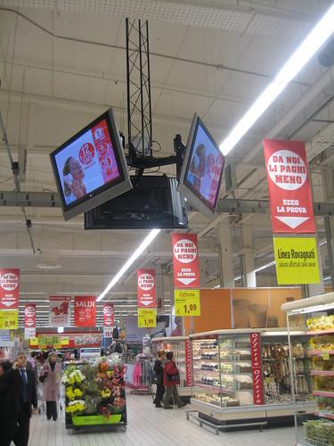 ReteRAD Digital Signage (Carrefour San Giuliano Milanese) - a photo ...