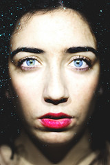 (Paula Vázquez Guisande) Tags: girl women eyes blue portrait canoneos600d canon 50mm beaut beautiful beauty light dreamy