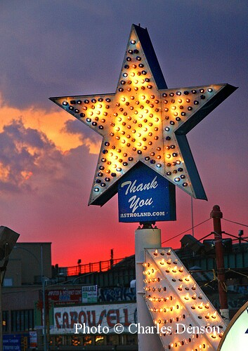 Astroland Star on the Park's Surf Avenue Gate. Photo © Charles Denson/Courtesy of the Coney Island History Project