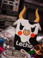 leche (micro_d) Tags: micro leche tokidoki moofia