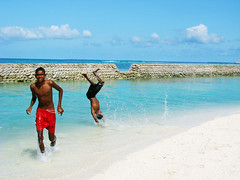 Enjoying the water (S U J A) Tags: male water maldives islandboys mywinners raajje anawesomeshot moodhu dhidhoo
