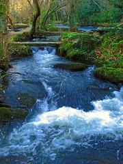 Verdes,Galicia (lanamorvai24) Tags: espaa naturaleza waterfall agua galicia galiza cascada cascadas cristalina digitalcameraclub catchycolorsgreenblue