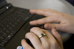 Vikki, Ring, Laptop