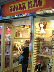 HONG KONG 6419 (RANCHO COCOA) Tags: cute mall shopping toy hongkong doll clothes shoppingmall kawaii missy blythe cuteness kowloon mecca zakka blythedoll nathanroad dollclothes sugarmag blythedolls toymart ctma ctmacenter toymall ringozakka