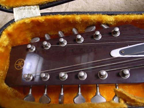 YAMAHA 12 Strings guitar FG-230