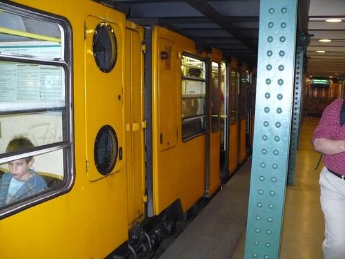 Budapest_M1Station9