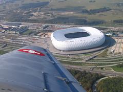 Stadion aus der Luft (dnh23) Tags: 30 canon münchen geotagged bayern arena stadion flugzeug nürnberg bundesliga fusball luftbild fcn fcb allianz ju52