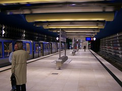 Olympia Einkaufszentrum U-Bahn