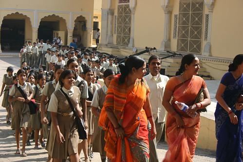 School children visiting the City Palace in Jaipur, Rajasthan, India (November 2007)