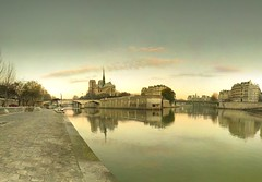 Cathdrale Notre-Dame de Paris - 22-12-2007 - 8h48 (Panoramas) Tags: pink winter roses panorama paris france church rose seine clouds sunrise river de point la soleil twilight cathedral dusk hiver perspective iglesia kirche notredame chiesa cathdrale ciel fv10 nuages vanishing crpuscule quai eglise hdr bord ptassembler lever kathedral tournelle fuite glise etiennecazin   smartblend  tiennecazin