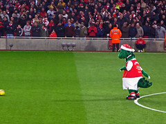 Gunnersaurus Rex (Bertram Ernest) Tags: london club canon football chelsea grove stadium soccer powershot emirates rex arsenal premiership ashburton g7 gunnersaurus footballfurrymascots
